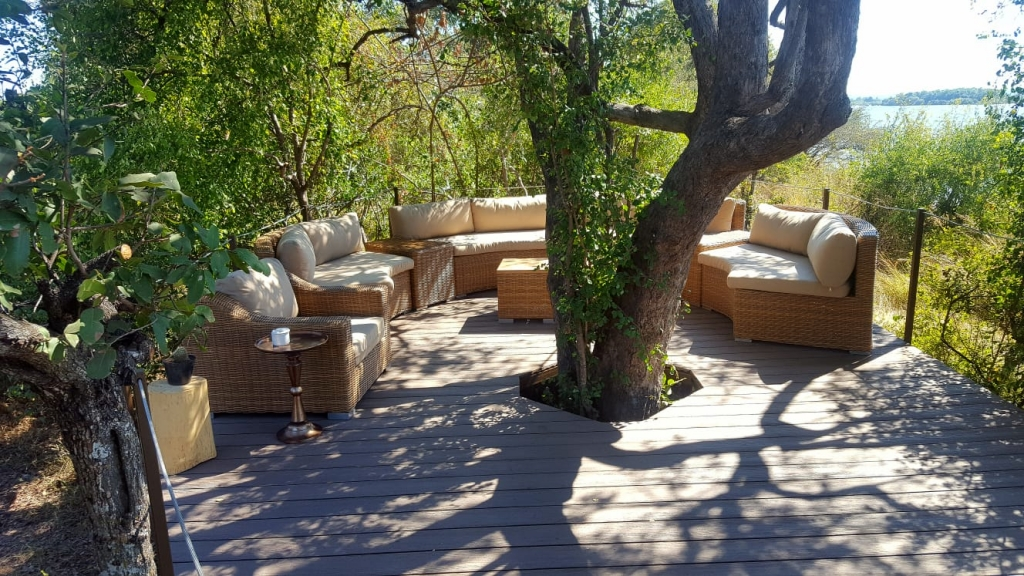 Old Drift Lodge - seating area