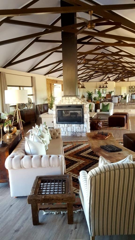 Main lounge at Old drift Lodge